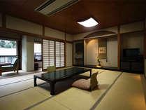 露天風呂付客室山茶花(さざんか)・・・15畳の落ち着いた和室です。