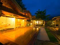 ◆湯乃禅の里(露天、女湯)◆脇田は昔から竹の産地として有名で17種類の竹が周囲をかこんでいる