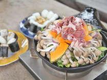 【タジン鍋バーベキュー】お肉と野菜をモリモリ!油を使用しないためヘルシー!(一例)