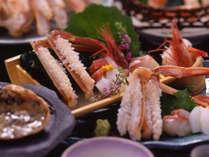 ぷりぷりの食感が絶品♪活松葉蟹のお刺身