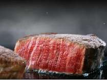 もはや日本を代表する食材、松阪牛!とろける柔らかさとジューシーな肉汁は絶品。