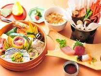 いろいろな料理が愉しめる夕雅の桶盛りランチ~お造りや伊勢えび味噌汁もセットです