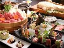 牛しゃぶ鍋材料と姿造りは2人盛り、「地魚かまくら」は4名様までに1枚付き。アワビ・カニは選択料理。