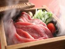 今年一押しの新メニュー「厳選豚ばら肉のセイロ蒸し」あっさりポン酢しょうゆをつけて!