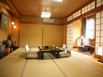 新別館「鶴喜」の一番広い客室(和室、本間12帖・バス・ウォシュレット・次の間・広縁付き)