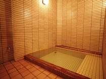 別館華山の貸切風呂は天然温泉100%で城崎温泉のお宿でも数少ない源泉かけ流しです。