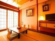 2014年11月にプチリニューアルの本館和室です。城崎温泉の桜をイメージしたピンクの土壁が落ち着きます。