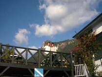 山水の後方はモッチョム岳です。