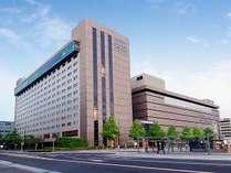 【外観】駅から見えるホテル★京都駅八条東口より徒歩1分の好立地!