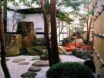 古都の風情ある中庭を眺めながら、ゆったりとお過ごしください
