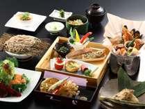 【セットメニュー】地元の食材を使ったお料理。洋食・和洋折衷の品々が並びます。