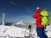 【冬】頂上からの景色に立ち止まってしまいます。