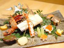 【割烹】目にも鮮やかな「和食」ならではの独創的で繊細な料理。