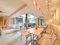*【ダイニングカフェチグサ】スタイリッシュな空間でお食事をお楽しみ下さい。