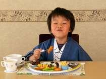 【夕食】プレートランチにご満悦。