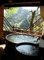 客室付の温泉は色々なタイプがあって面白い。桶風呂