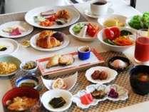 【スタンダード◆朝食付】焼きたてパンや郷土料理も!50種類の朝食ブッフェ