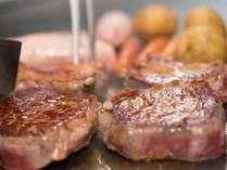 【土日祝は家族でディナーブッフェ】鉄板焼きステーキに前菜からデザートまで食べ放題♪(1泊2食)