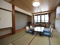 本館は和室のお部屋です。ごゆっくりお寛ぎください。