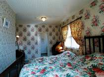 本館客室のベッドルームの1室