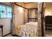 英国アンティークコテージの客室