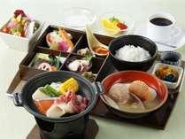 和定朝食.4,5月は陶板焼きがメインの特別メニュー
