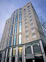 【ホテル外観】地下1階・地上11階建ての建物。客室は3階~11階。