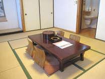 和室12畳一間で喫煙室です