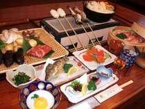 いろりを囲んで楽しむ地場食材。信州産の素材や山の幸をお楽しみください。