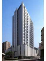 JR蒲田駅・京急蒲田駅の中間に位置するホテル。羽田空港へ乗換なし10分です。