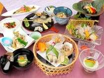 夏の郷土料理☆香り高い有田川のアユ【鮎づくし会席膳】