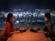 四季を彩る長崎の旬に舌鼓。きらめく夜景に心踊り、会話も弾む。