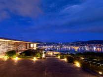 長崎の夜景と融合した隈研吾氏の建築__。ここでしか見られない情景を存分に。