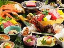通常の夕食はこんな感じ♪かに、舟盛、石焼牛ステーキ等々13品.