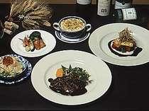 地元の食材を使った和洋折衷のディナー