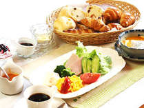 朝食付 長野市・善光寺~30分!手作りパンと野鳥の声で朝食を