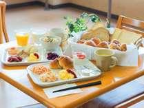 朝食サービス!6:00~9:00(土日祝6:00~9:30)