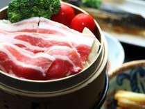 【夕食】鹿児島黒豚肉のせいろ蒸し。