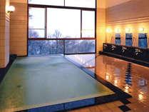 24時間入浴OK!大浴場からの眺めは抜群