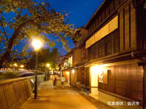 金沢でごゆっくり【名店グルメや夜の観光を満喫できる】夕食なしプラン 新館鳳凰/源泉露天風呂付客室
