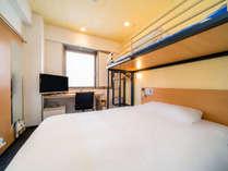 【スーパールーム】(140cm幅セミダブルベッド+90cmロフトベッド)