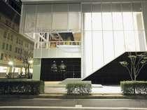 「ホテルトラスティ神戸旧居留地」2Fにフロント・レストランがございます。
