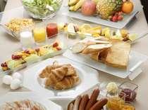 朝食はブッフェスタイルでご提供