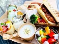 NYデリスタイルのカラフル朝食(メニュー例)
