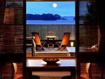 露天風呂付き客室。くつろぎのツインローベッドでゆっくりお休みください。