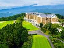 ゴルフ場とホテルが隣接していてとっても快適です。富士山も一望できます!!