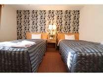 ご家族で、ご友人でくつろぎのひと時を提供するツインルーム(ベッド幅110cm)