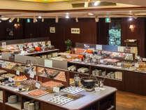 バイキングレストラン「ザ・キャビン」小皿に盛られているので取りやすいのが嬉しい!!