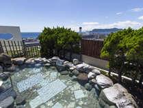 露天風呂(女性側)天気の良い日は函館山と津軽海峡を眺めながら入浴できます。