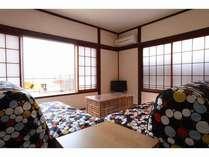 ◆カイザ◆洋室と和室のつづきの空間。海・夜景・花火一望。4名まで利用可。
